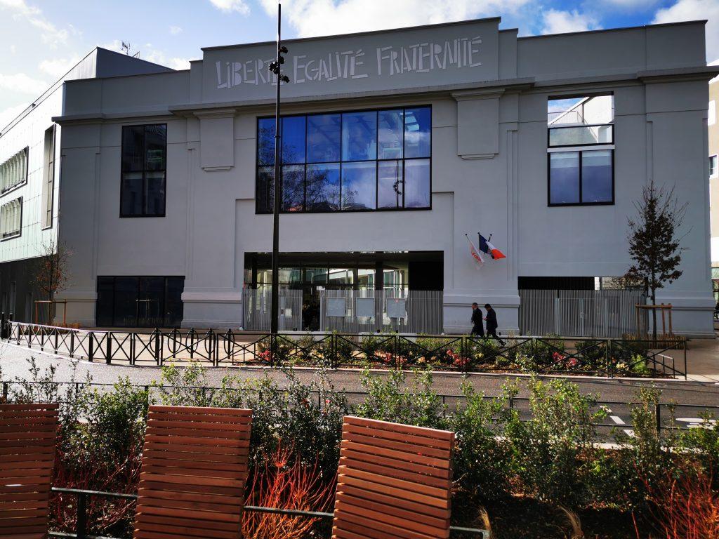 L'emblématique sirène des usines Renault réintègre la place Jules Guesde 2