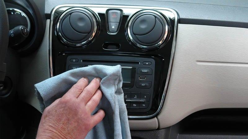 Coronavirus : comment nettoyer et désinfecter efficacement sa voiture? 1